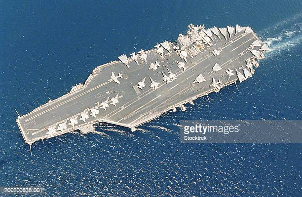 aircraft carrier uss george washington and carrier air wing seven - warship stock pictures, royalty-free photos & images