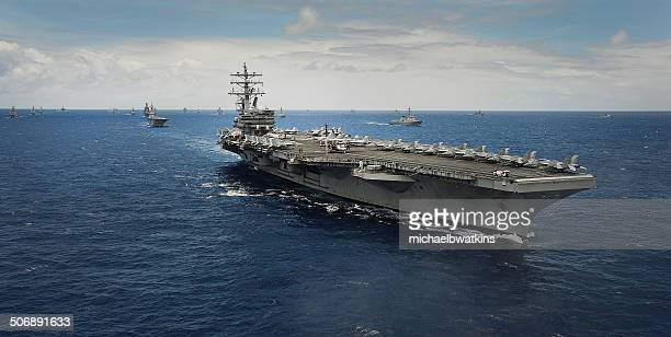 aircraft carrier uss ronald reagn (cvn 75) - navy ship stock pictures, royalty-free photos & images