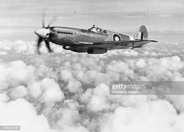 Aircraft Of The Royal Air Force 19391945 Supermarine Spitfire The first Spitfire Mark XIVE RB140 on a test flight after undergoing Griffon Engine...