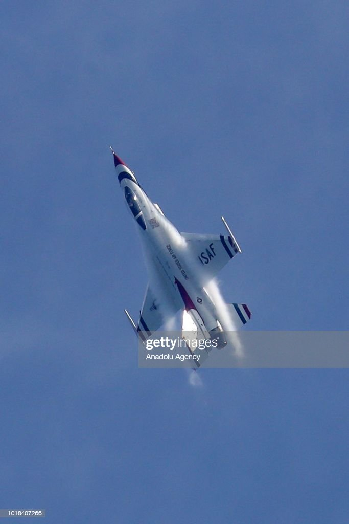 60th Chicago Air and Water Show : News Photo