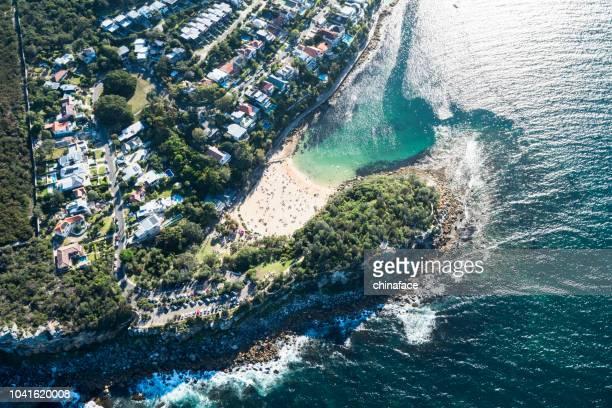 flugzeug punkt ansicht der gold coast, australien - queensland stock-fotos und bilder