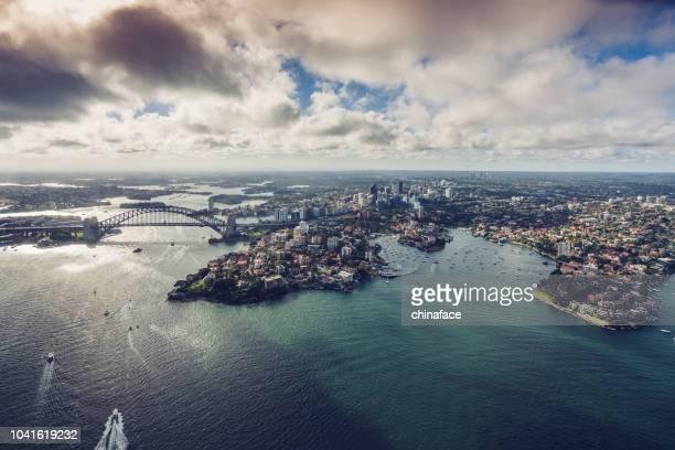 exibição de aeronaves de cityscape sydeny, austrália - baía - fotografias e filmes do acervo