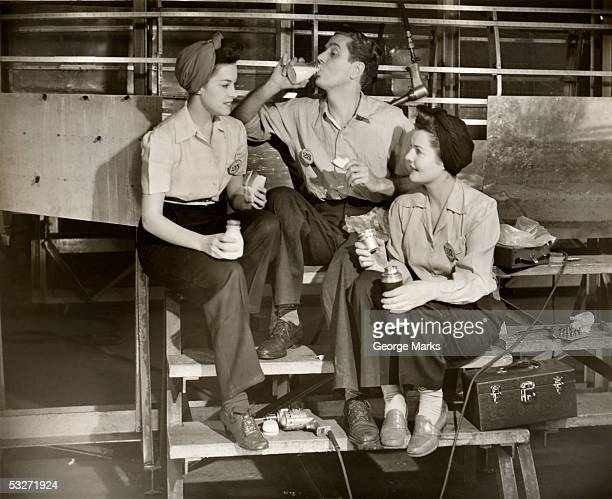ww ii aircraft workers having lunch - history stock pictures, royalty-free photos & images