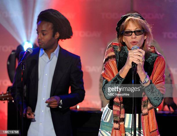 Jean Forte and Carly Simon perform on NBC News' Today show