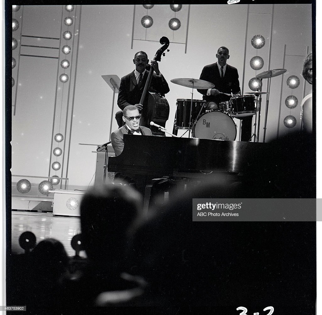 RAY CHARLES : News Photo
