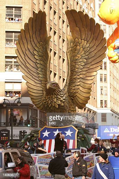 S 77TH THANKSGIVING DAY PARADE Aired Pictured The United States Postal Service's Spitirt Of America float at the 2003 Macy's Thanksgiving Day Parade...
