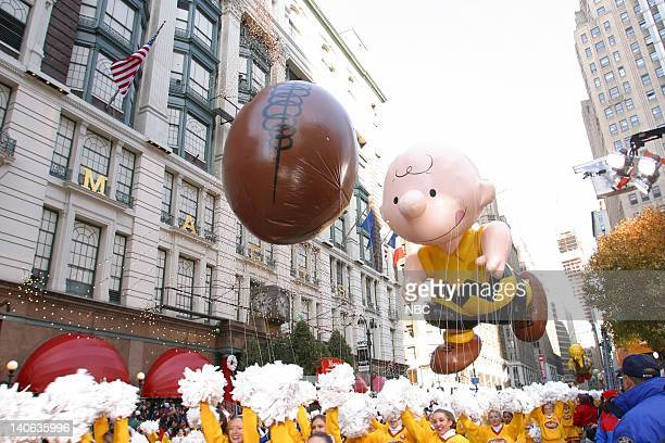 S 76TH THANKSGIVING DAY PARADE Aired Pictured Charlie Brown balloon at the 2002 Macy's Thanksgiving Day Parade on November 28 2002 NBC Photo Eric...