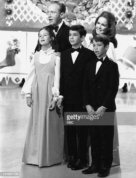 S CHRISTMAS SHOW Aired 12/16/70 Pictured Bing Crosby wife Kathryn Crosby son Nathaniel Crosby son Harry Crosby daughter Mary Frances Crosby Photo by...