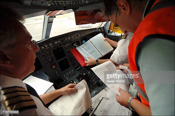 Airliners control by the DGAC on the airport of Roissy Charles of Gaulle in Roissy France on August 24 2005 Control load embarquee on a Airbus A340...