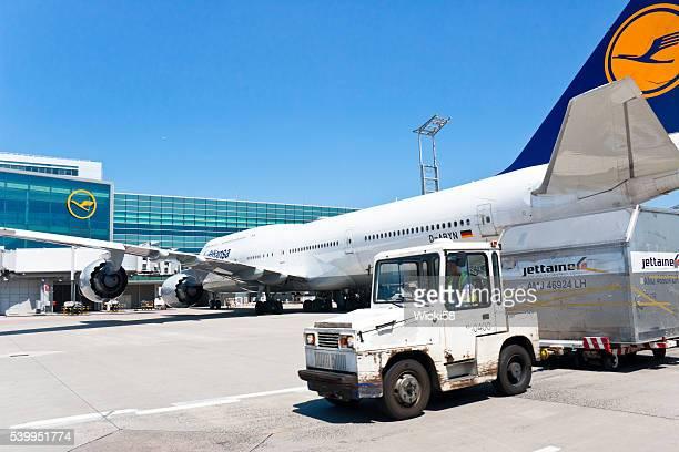 Flugzeug vorbereitet für Ihren nächsten Flug