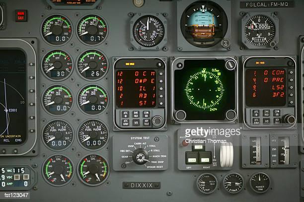 airplane cockpit - cabine de piloto de avião - fotografias e filmes do acervo