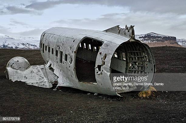 airplane crash in iceland - damlo does stock pictures, royalty-free photos & images