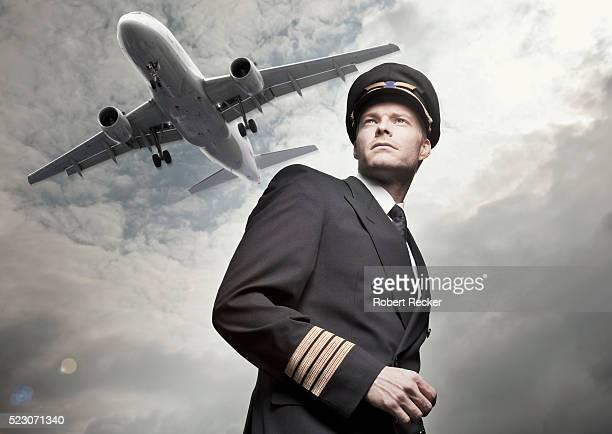 airplane flying over pilot - pilot stock-fotos und bilder