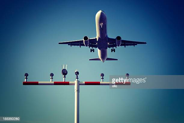 Airplane, landing approach, runway lighting