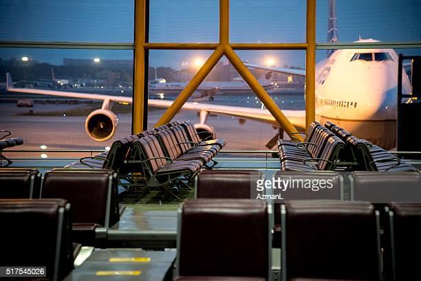 Flugzeug auf internationalen Flughafen Peking