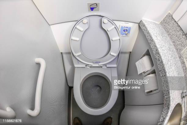 Airplane toilet plane Toilette