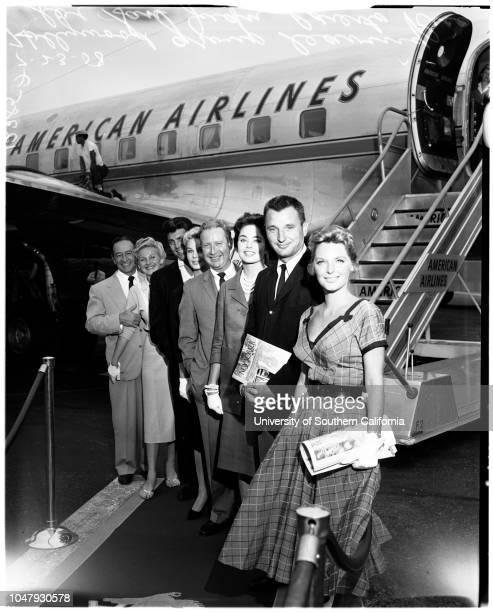 Airport departures 23 July 1958 Julie LondonBobby TroupCarol MorrisArthur O'ConnellIngrid GoudeDale RobertsonConstance MooreJohn Maschio...