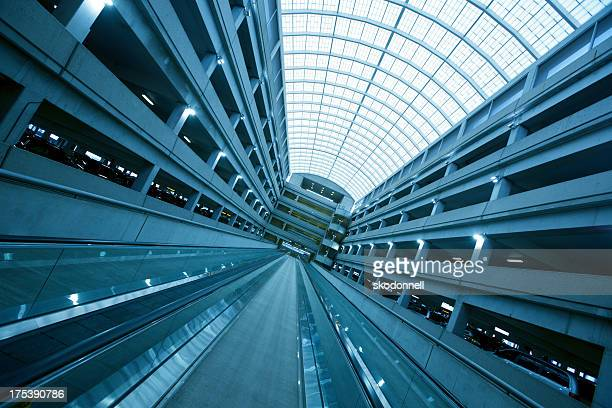 airport escalator - columbus ohio stock pictures, royalty-free photos & images