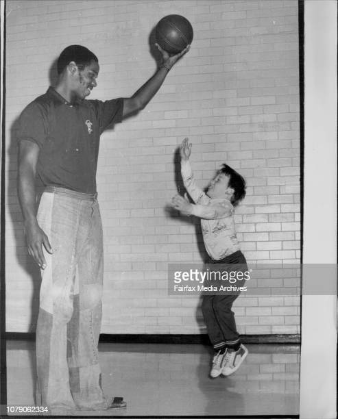 Airport Kissen 6'9 pictured with Jonathan Napthali of Goulburn trying to get to the ball August 13 1976