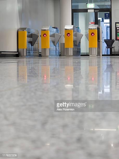 Airport lounge: turnstile