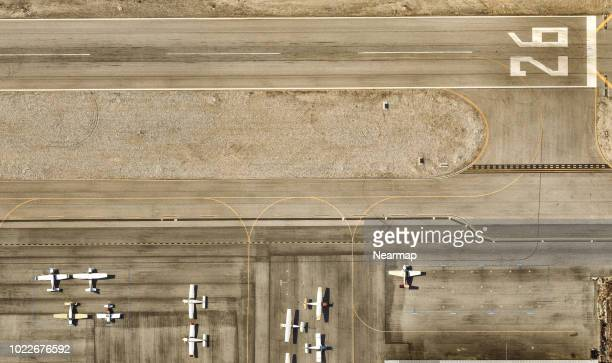airport, runway. los angeles, california - airport runway stock pictures, royalty-free photos & images