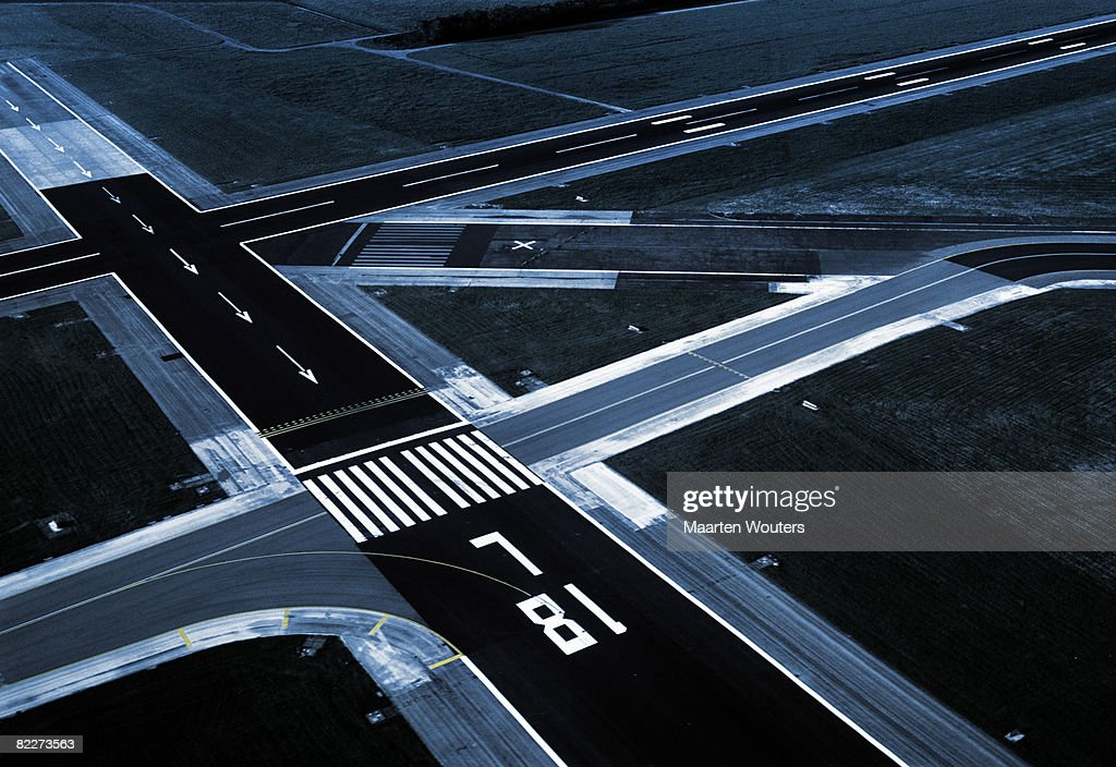airport runways schiphol amsterdam airplanes landing takeoff airial