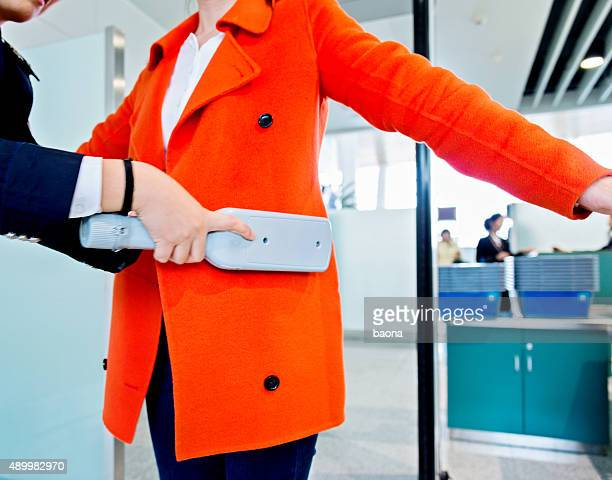 airport security check - security scanner stock pictures, royalty-free photos & images