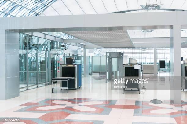 Flughafen Sicherheitscheck, Gepäck und Körper Scanner