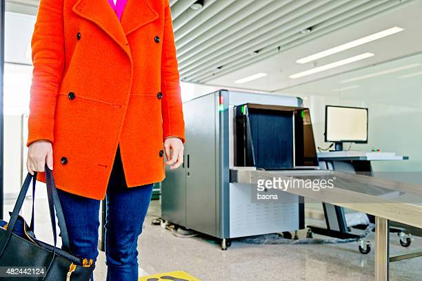 airport security checkpoint - security scanner stock pictures, royalty-free photos & images