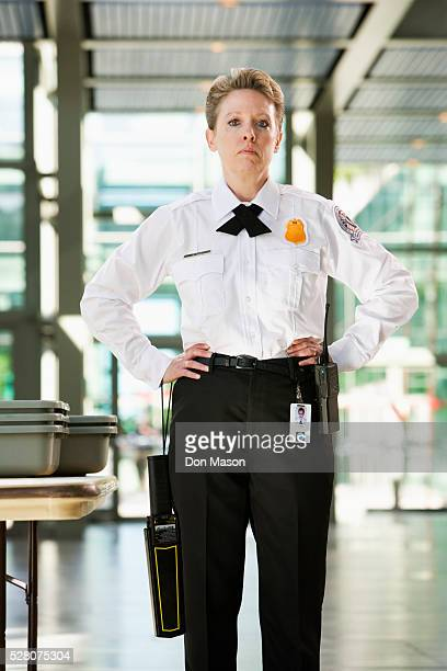 airport security guard - security scanner stock pictures, royalty-free photos & images