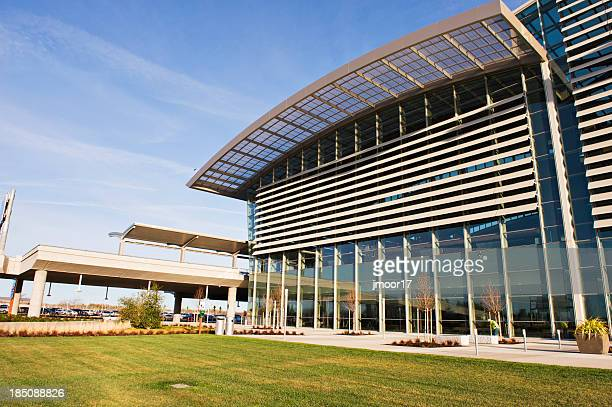 airport terminal exterior - sacramento stock pictures, royalty-free photos & images