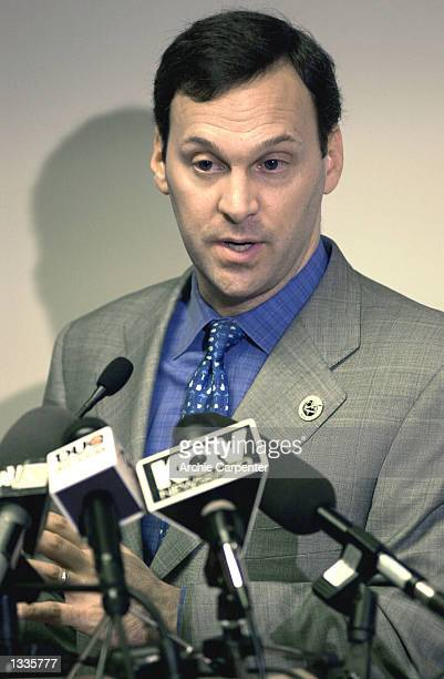 Airways President and Chief Executive Officer David Siegel speaks at a news conference August 14 2002 at the Pittsburgh International Airport in...