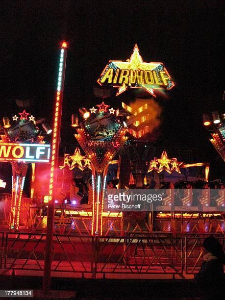 Airwolf 'Bremer Freimarkt' Bremen Deutschland Europa Fahrgeschäft Volksfest Jahrmarkt Kirmis bei Nacht Nachtaufnahme Beleuchtung Reise