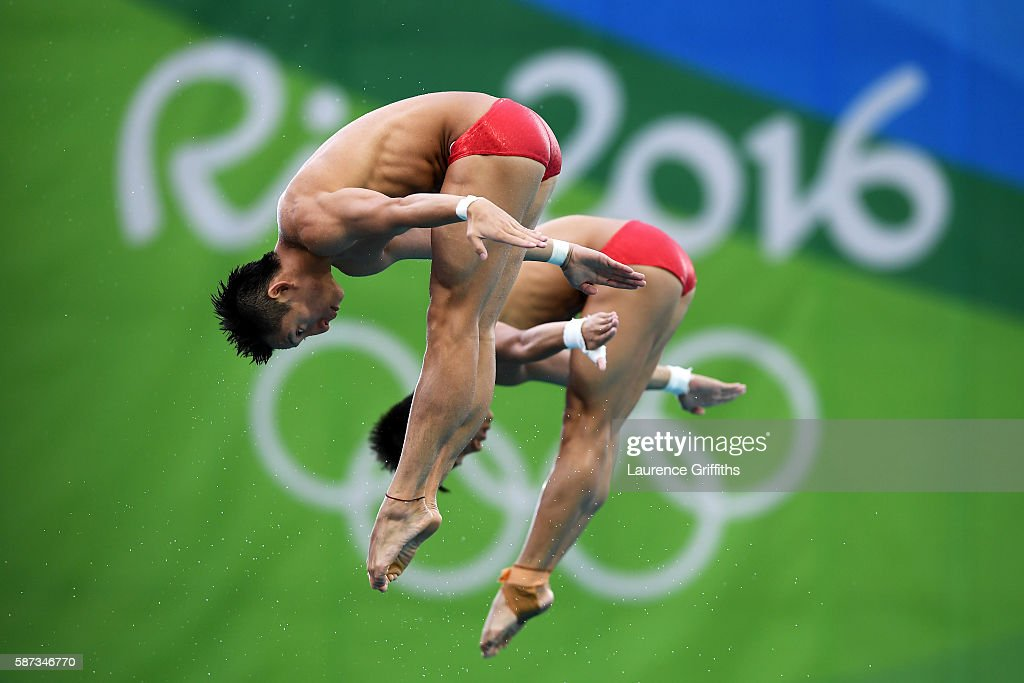 Aisen Chen and Yue Lin of China warm up prior to the Men's Diving Synchronised 10m Platform Final on Day 3 of the Rio 2016 Olympic Games at Maria Lenk Aquatics Centre on August 8, 2016 in Rio de Janeiro, Brazil.