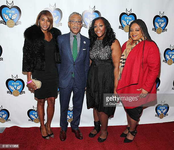 Aisha McShaw, Honoree Reverend Al. Sharpton, Dominique Sharpton and Ashley Sharpton pose for a photo at the 2016 Franciscan Handmaids Of The Most...