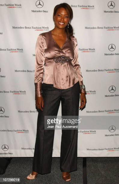 Aisha Tyler during MercedesBenz Spring 2006 LA Fashion Week at Smashbox Studios Day 1 Arrivals at SmashBox Studios in Culver City California United...