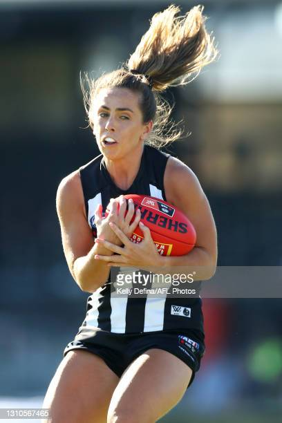 Aishling Sheridan of the Magpies marks the ball during the AFLW Finals Series match between the Collingwood Magpies and the North Melbourne Kangaroos...