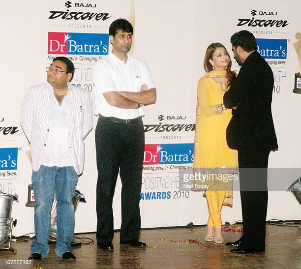 Aishwarya and Abhishek Bachchan attend the Positive Health Awards in Mumbai on November 30 2010