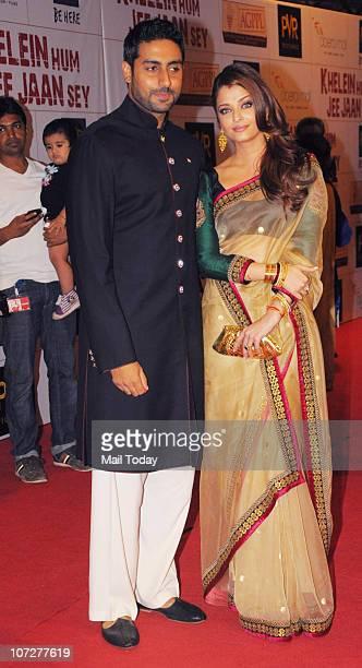 Aishwarya Rai and Abhishek Bachchan at the premiere of the film 'khelein hum jee jaan se' in Mumbai on December 2 2010