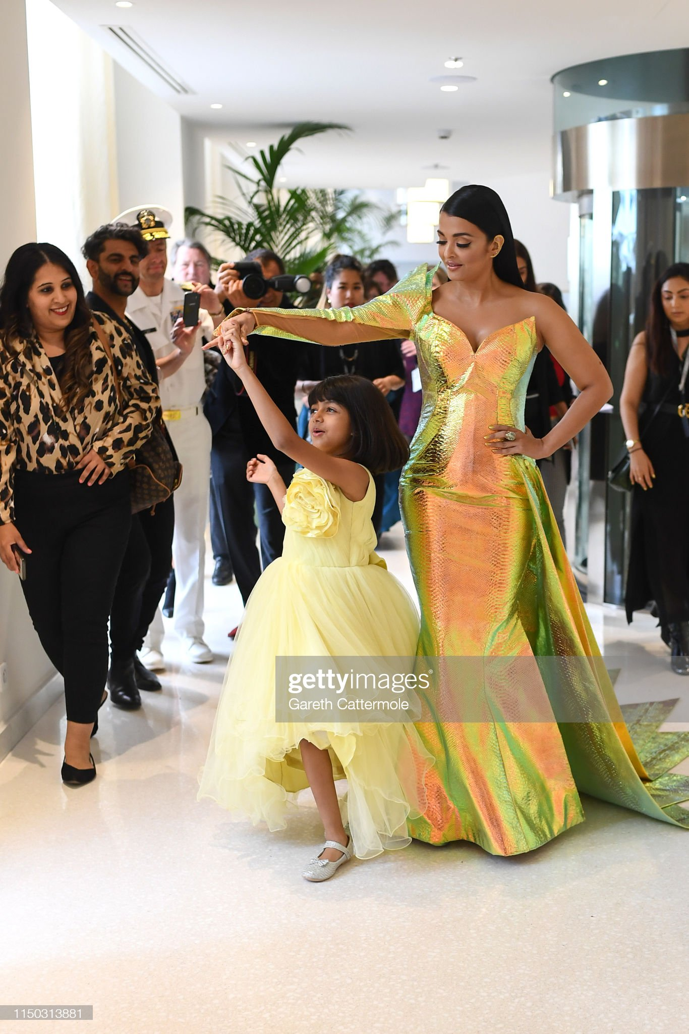 https://media.gettyimages.com/photos/aishwarya-rai-and-her-daughter-aaradhya-during-the-72nd-annual-cannes-picture-id1150313881?s=2048x2048