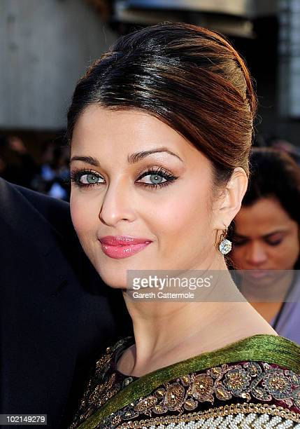 Aishwarya Rai arrives at the World Premiere of Raavan at the BFI Southbank on June 16 2010 in London England
