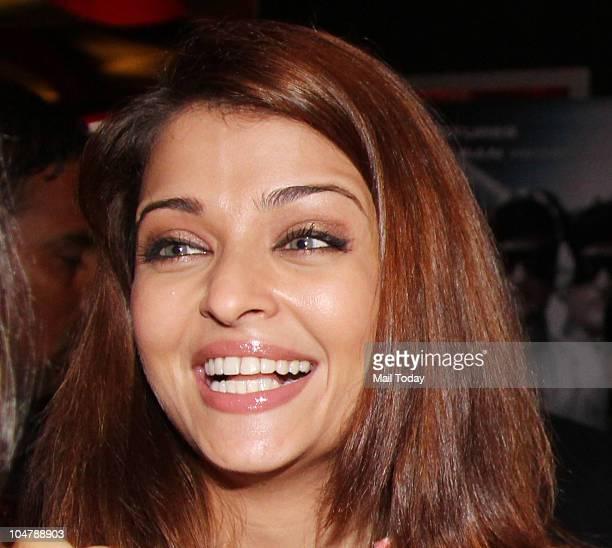 Aishwarya Rai Bachchan at the premiere of the film Robot in Mumbai on October 4 2010
