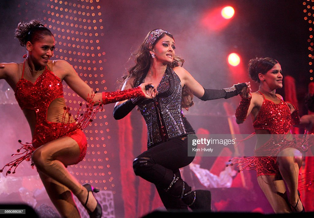 Aishwarya Rai Bachchan performs with dancers The biggest names in Bollywood cinema came together in the `Unforgettable Tour` last Saturday night at...