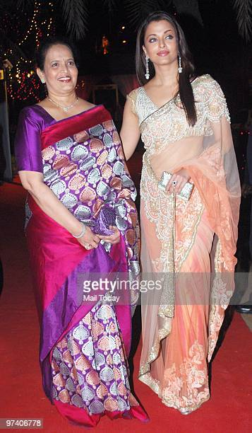 Aishwarya Rai Bachchan with her mother Vrinda at the GR8 Women Achievers Awards in Mumbai on February 26 2010