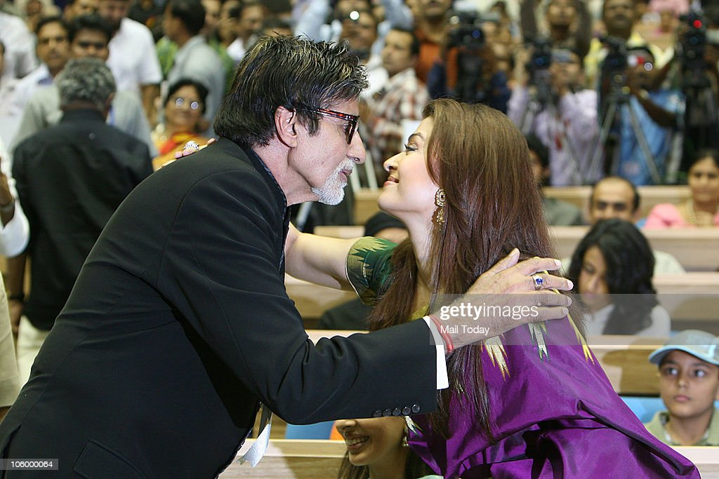 Aishwarya Rai congratulates fatherinlaw Amitabh Bachchan after he won the Best actor National award for 'Paa' during the 57th National Film Aw