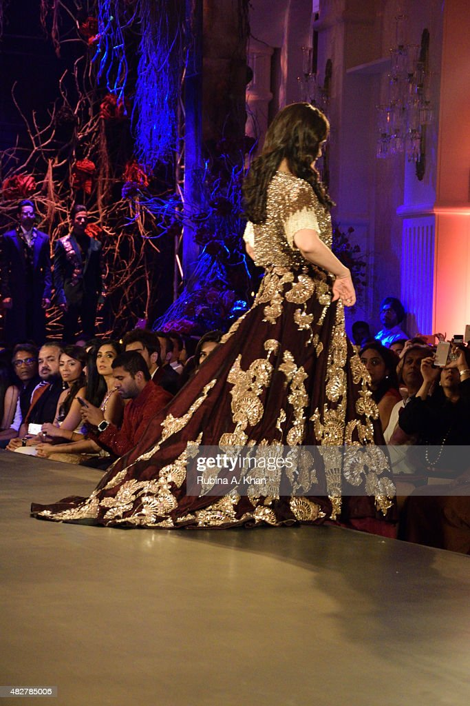 Aishwarya RaiBachchan walks the runway in designer Manish Malhotra's couture ensemble from his collection Couture Soiree The Empress Story at the.