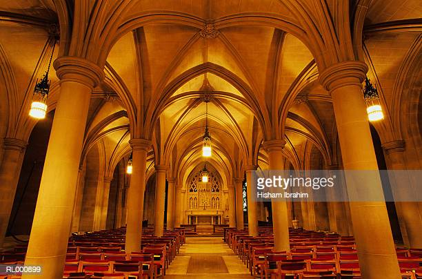 aisle of national cathedral - national cathedral stock pictures, royalty-free photos & images