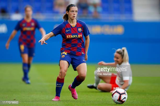 Aitana Bonmati of FC Barcelona passes the ball during the Women'S UEFA Champions League 1/16 second leg match between Barcelona and Juventus Turin on...