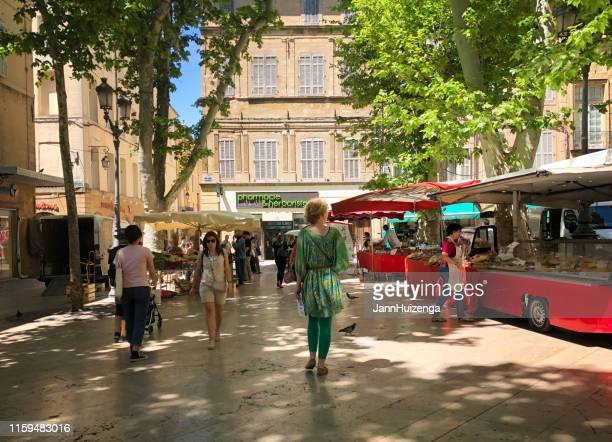 aix-en-provence, france: shoppers at farmer's market early morning - pop up store stock pictures, royalty-free photos & images