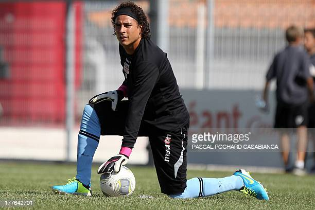 Ajaccio's Mexican goalkeeper Guillermo Ochoa warms up before the French L1 football match Ajaccio against Nice on August 25 in the Francois Coty...